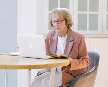 Les seniors et les technologies au travail (étude 2021)
